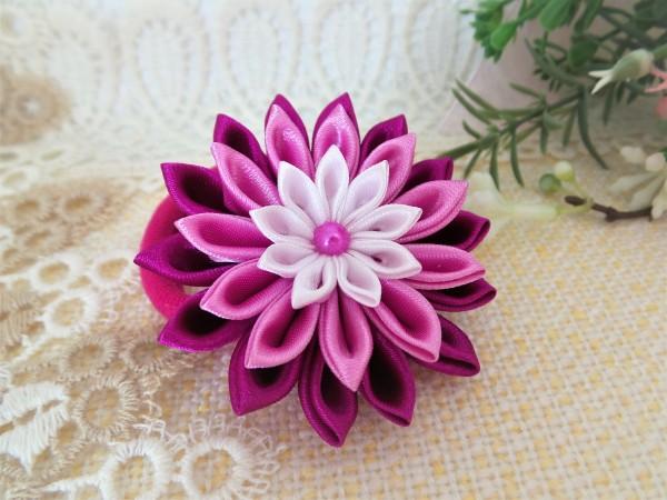Kopfschmuck, Haargummi mit Blume, Kanzashi.
