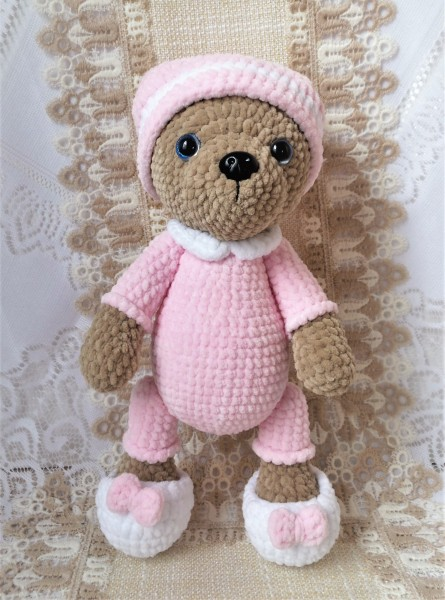 Gehäkelter Teddybär mit Schlafanzug, Amigurumi